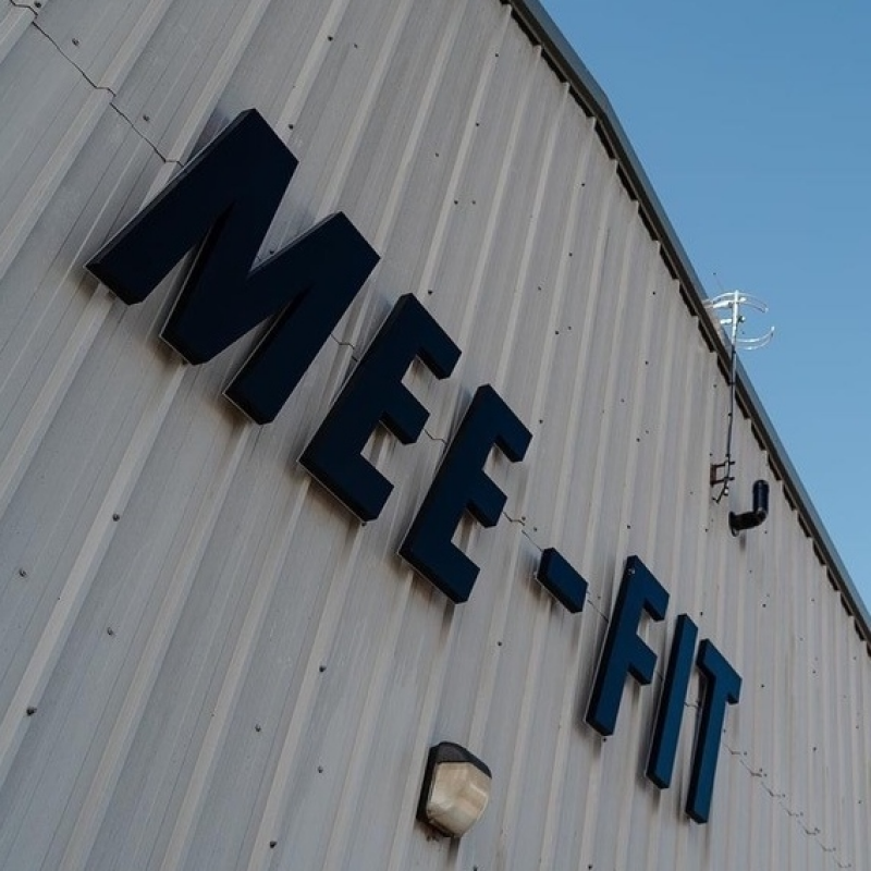 MEE FIT large external illuminated sign