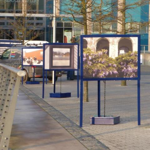 St. Modwen portable triangular exterior displays